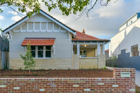 LUXURY 5 bedroom home in Subi, 4km from Perth CBD!