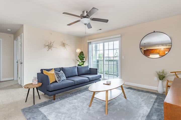 ConTemporary Stay in Central Peoria
