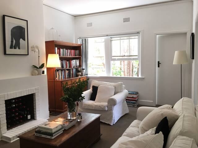 Stylish, sunny 1BR Sydney apartment in inner east - Woollahra - Byt