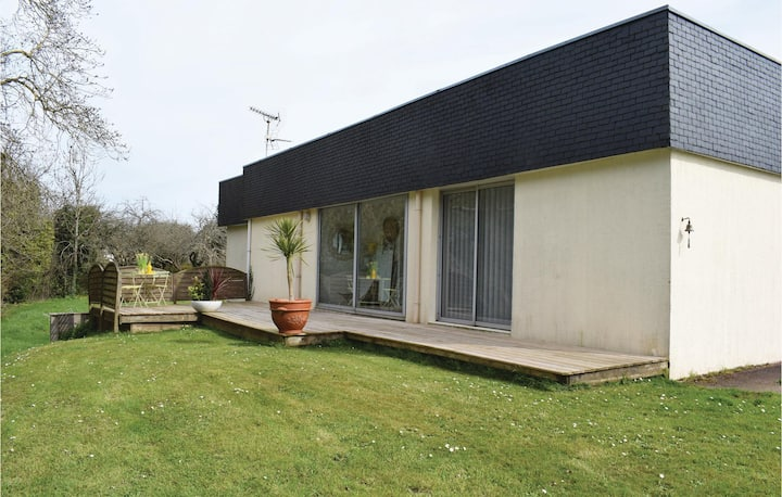 Beautiful home in Paimpol with 3 Bedrooms and WiFi