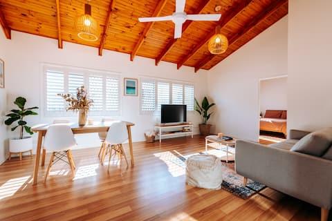 Miami Beach Guesthouse - Beach 700 metres