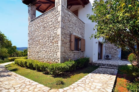 Stone Tower Retreat-Oasis of Peace, with pool/spa