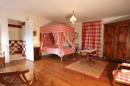 Chambre Ragon vue jardin 2ème étage - Gästhus