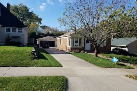 Private Room in House 5 mins from Froedert, MCW - Milwaukee - Hus