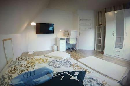 neues Zimmer, Stadtnah im Doppelhaus - Wolfsburg