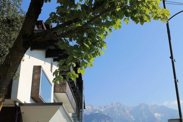 Charming hotel near Innsbruck - Götzens - Bed & Breakfast
