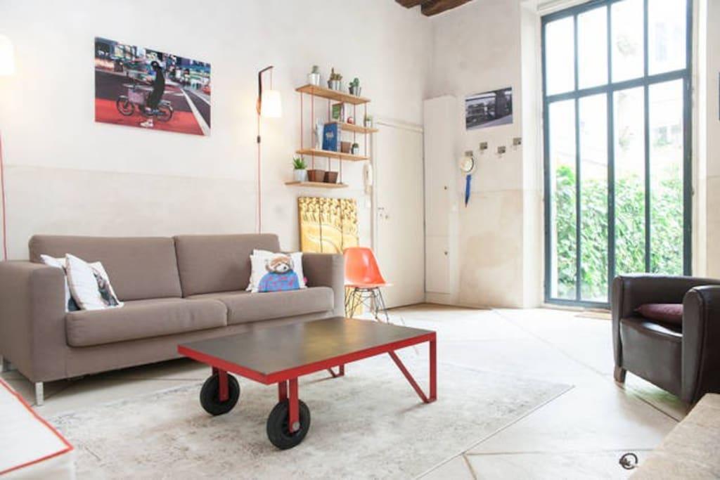 Loft familial avec jardin dans paris lofts louer for Salon de jardin ile de france