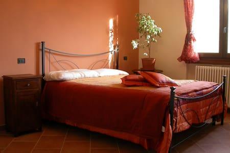 B&B - La Boscara vista San Leo - Maiolo - Bed & Breakfast