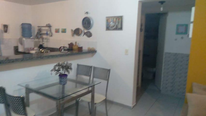 Mesa e cadeiras para refeições (sala)