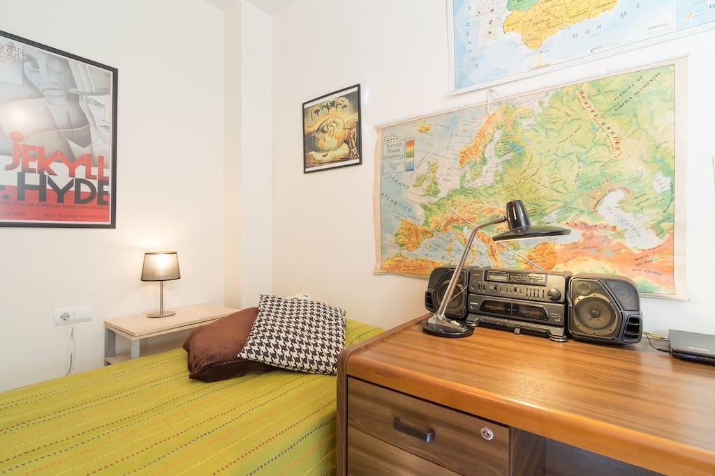 habitaci n ba o centro de m laga appartements louer malaga andalousie espagne. Black Bedroom Furniture Sets. Home Design Ideas