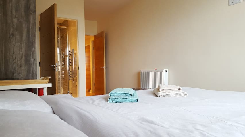 Dream room: bright, cosy and modern (pvt bathroom) - Dublin - Apartemen