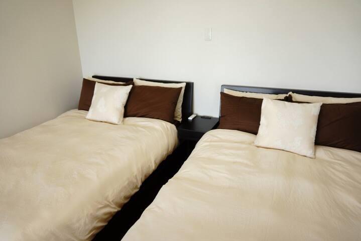 セミダブルサイズベッド