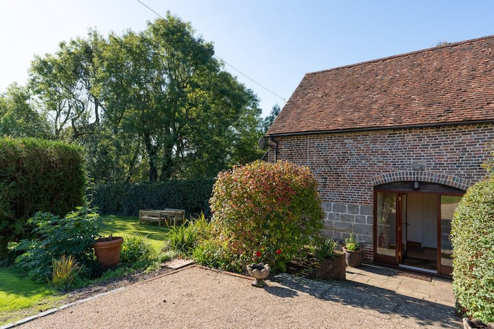 Entire place Granary with views, Crowhurst, Battle