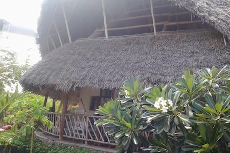 NYUMBA YA MASHAZA Coral abode in Wa - Watamu