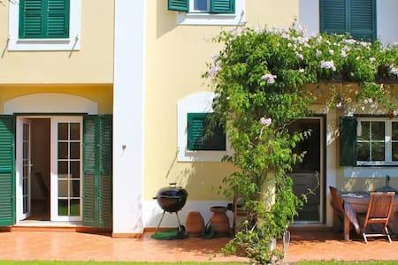 Moradia no Guincho - Cascais - House
