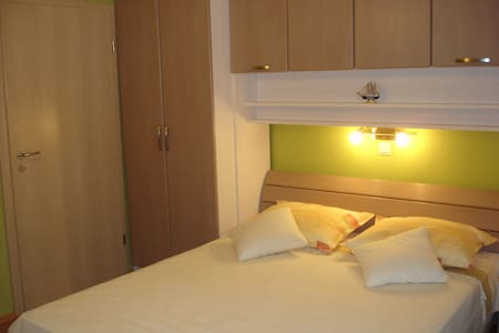 "Cozy room ""Jasminka"" with parking - Makarska"