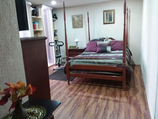 Echegaray, Naucalpan (4). Suite con baño incluidio