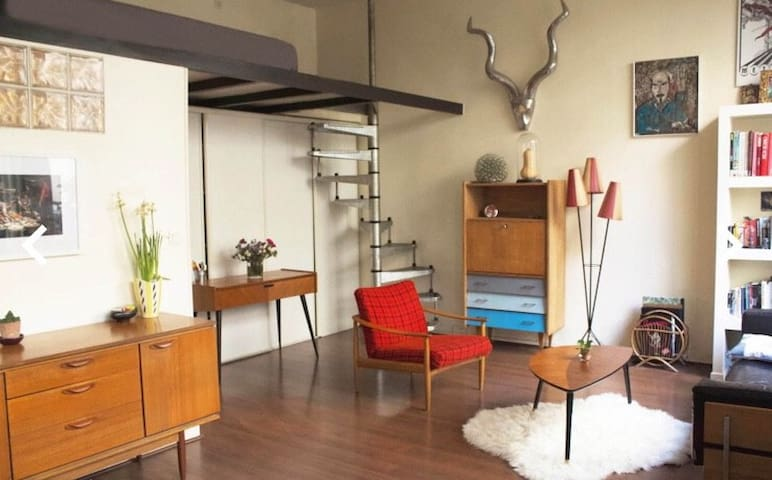 Loft Cosy in center of Paris with yard