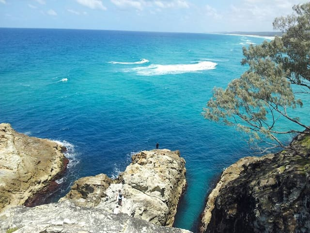 FISHTAILS at North Stradbroke Island - Point Lookout - House