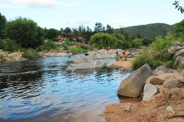 Casa a orillas del río - San Antonio de Arredondo