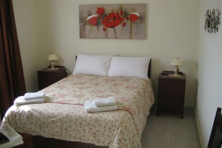 The Rays Lodge The Sea View Room - Naxxar - Bed & Breakfast