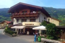 Ihre Wohnung befindet sich direkt über unserem Bäckerei-Café Dorfbäck.