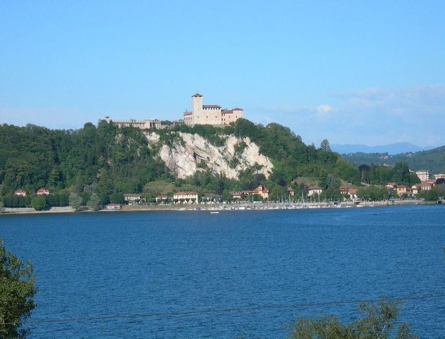 Angera la Rocca -  Lago Maggiore