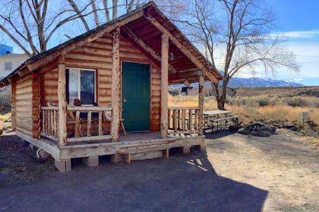 Grow Cabin at Hot Springs Resort - Monroe - Cabane