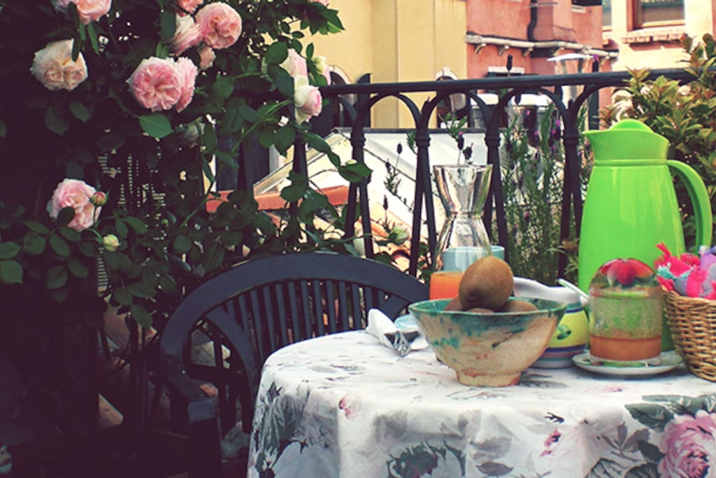 Terrace with breakfast (available during spring/summer season)
