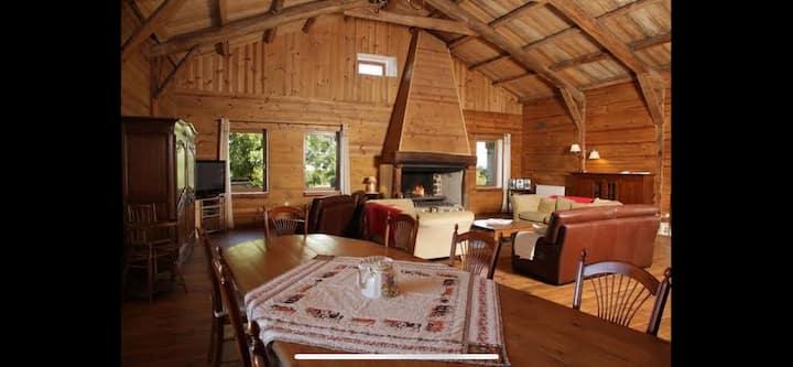 Maison de 300m2 en pierre et bois