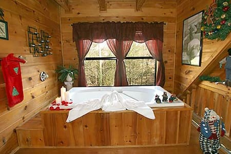 Room type: Entire home/apt Bed type: Real Bed Property type: Cabin Accommodates: 4 Bedrooms: 1 Bathrooms: 1.5