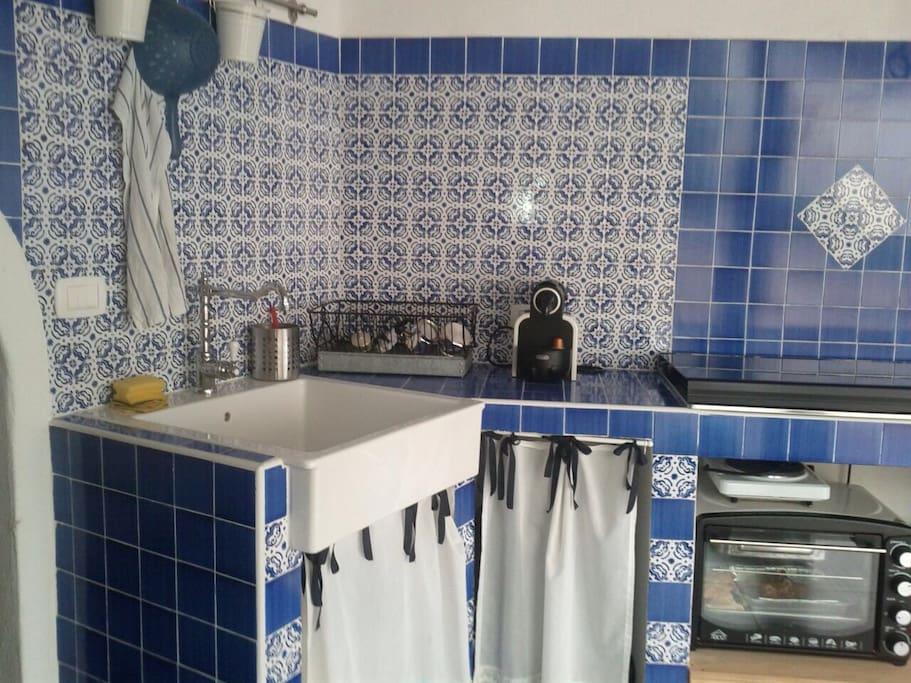 Pannelli Finte Piastrelle Per Cucina : Cucine con piastrelle di vietri ...