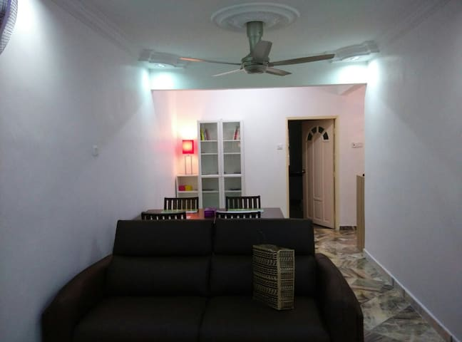 SanSai Homestay near ZOO negara - Kuala Lumpur - House