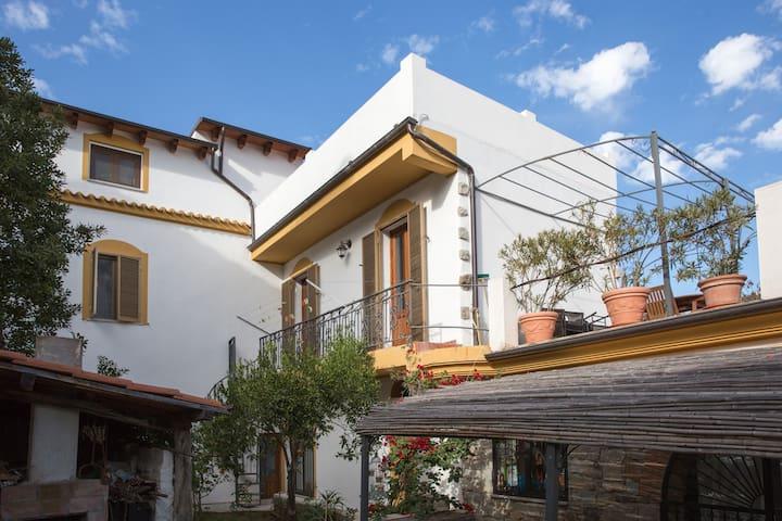 Residenza donna Carmen stellato - Bari Sardo - Huis