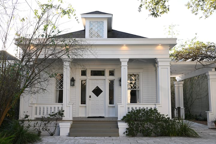 Beautiful, historic home in Montrose, Texas