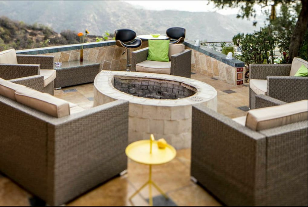 Beautiful fire pit that looks out to Griffith Observitory