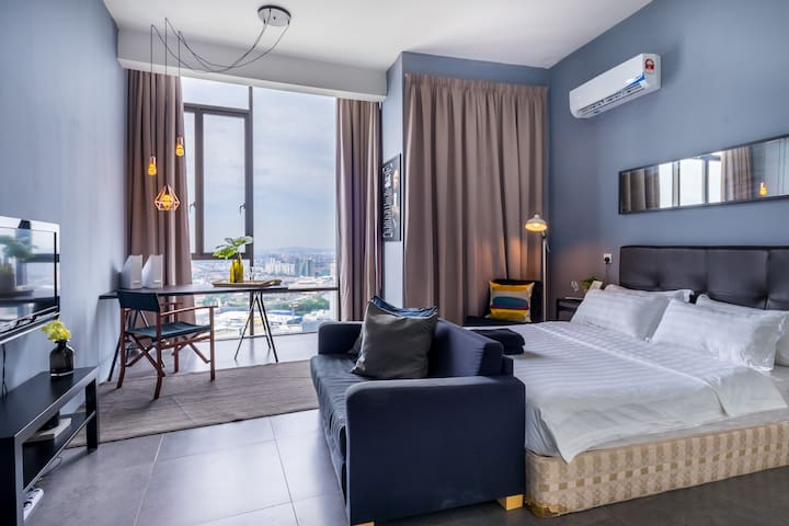 #7 Empire Damansara Guesthouse | NETFLIX & WIFI
