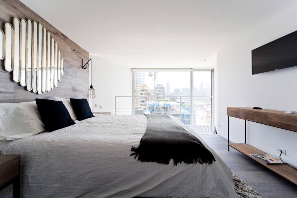 Bedroom with Harbour Bridge Views