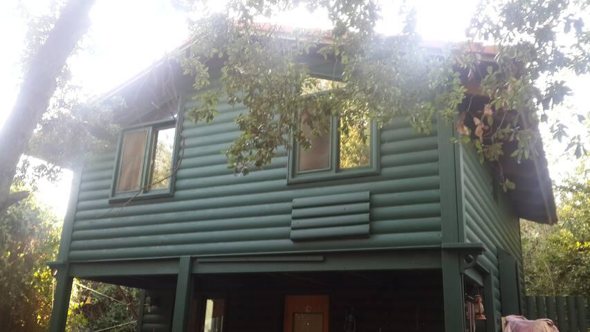 Abirim wood cabin