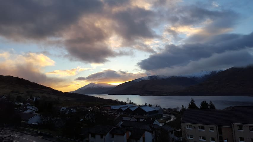 Stunning Views - Lovely Apartment - Fort William - Wohnung