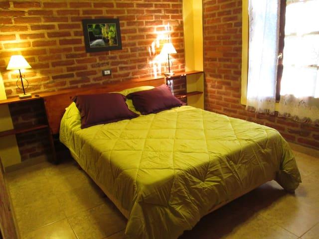 Dormitorio con  sommier 2 plazas