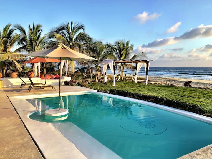 GORGEOUS BEACHFRONT VILLA - FULL STAFF - 5 STARS!