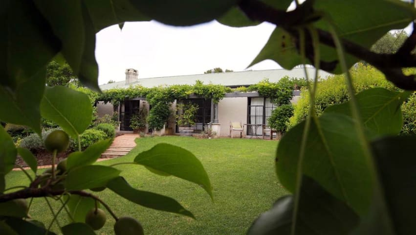 Bright, Warm Surrounded by Gardens - Robertson - Bed & Breakfast