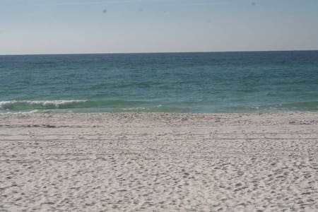 1BR Seascape Villa Closest to Beach - Miramar Beach