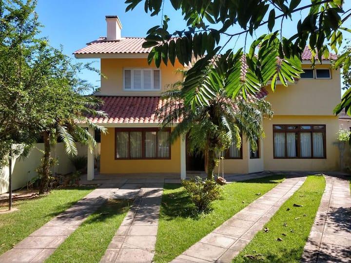 Ampla Casa com piscina no Campeche