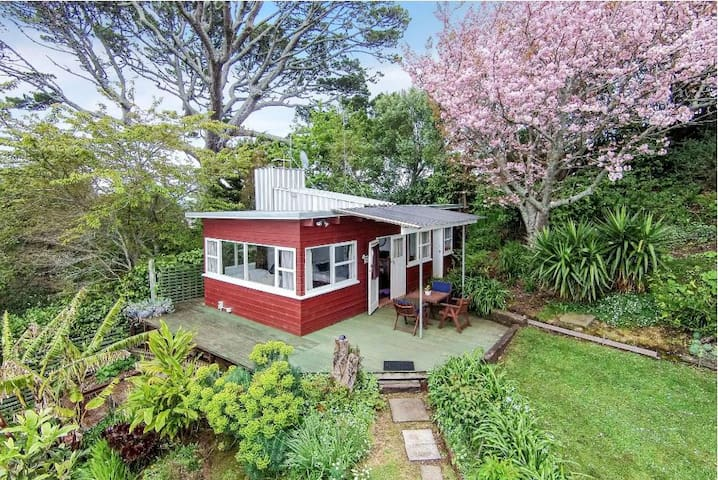 Mount Hobson Cottage in Remuera