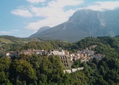 Italian Mountain Villa - Castelli - Castelli - Дом