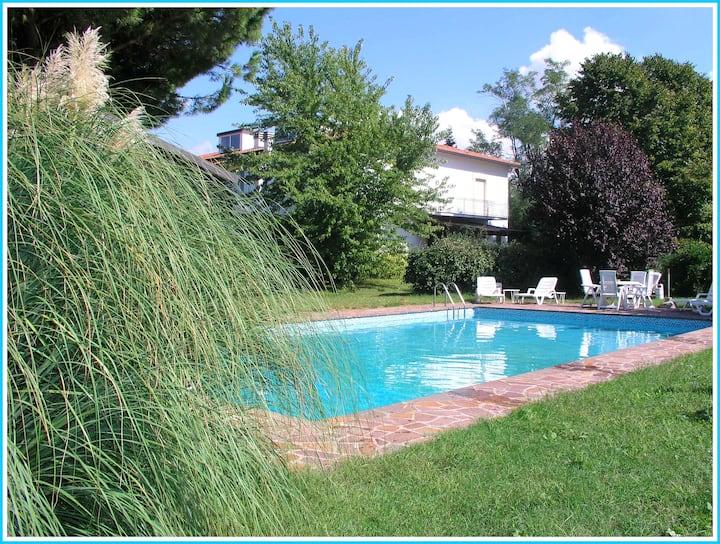 """""""Fienile Orientale"""" Tennis & Pool"""