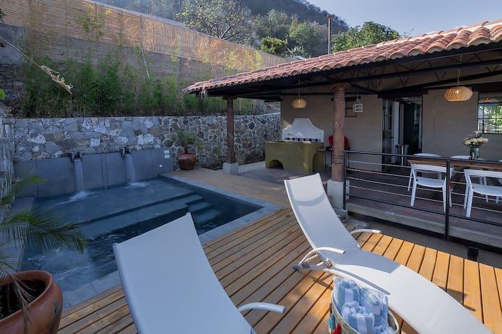 3 Bd house INCREDIBLE views in San Antonio Palopo