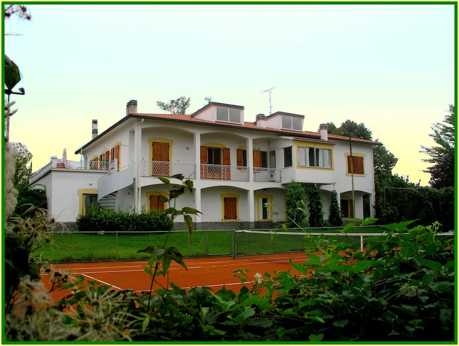 Villa with view over Tennis